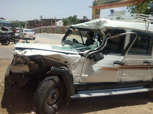 Jeep rams into truck on Gogunda-Udaipur highway