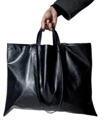 Man trying to steal bag from car nabbed by public