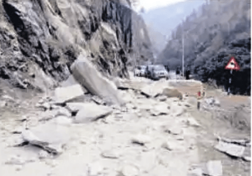 Pilgrims from Udaipur get stuck at Gangotri route