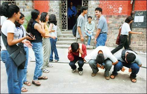 Ragging at RNT Medical college | Case reaches Supreme Court