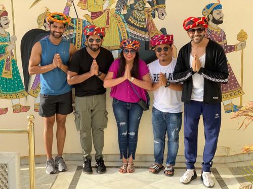 [Photos] Kartik Aaryan & Imtiaz Ali movie crew says Khamma Ghani Udaipur