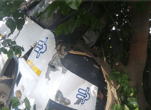 1 dead 10 injured in an accident on NH-113