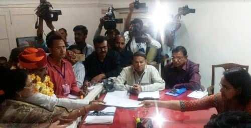 लोकसभा आमचुनाव 2019 आज कांग्रेस के रघुवीर सिंह मीणा ने नामांकन भरा