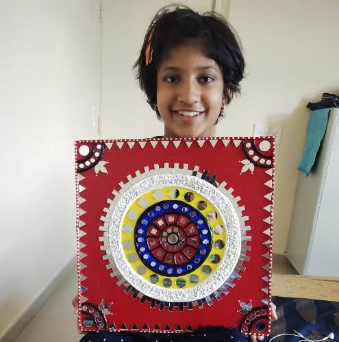 Udaipur children learning Lippan and Kitsch Art