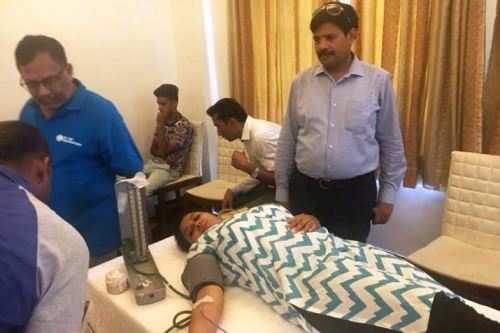 रक्तदान शिविर में 48 ब्लड यूनिट एकत्रित