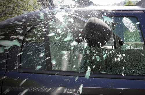 Car parking issue-Bank manager's car damaged