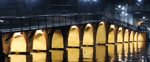 One more bridge to come up at Lake Pichola