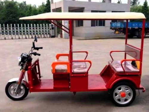 18 people awarded e-Rickshaw at Rs 500 per month