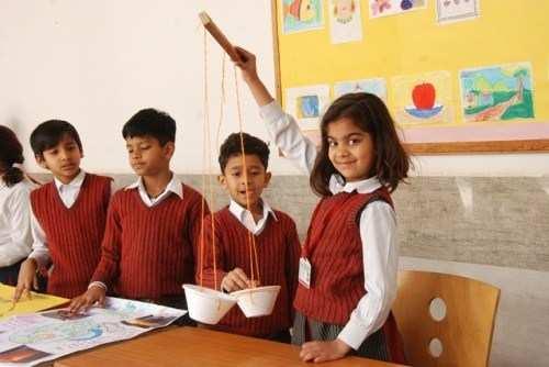 GD Goenka | Children enjoy experiments on World Science Day
