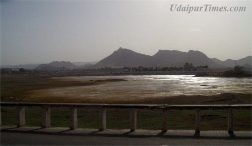 Udaipur lakes need 4 times the water they have now