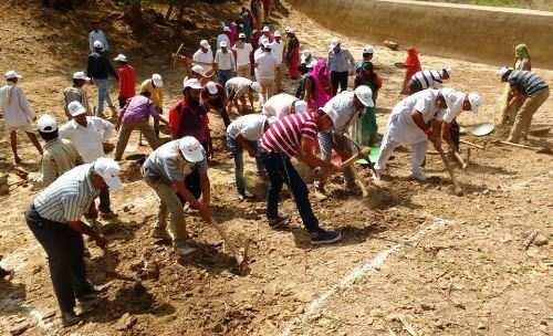 उदयपुर के मीडियाकर्मियों ने किया चांदनी विलेज एनीकट पर श्रमदान