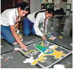 Voting awareness through Rangoli by MMPS students