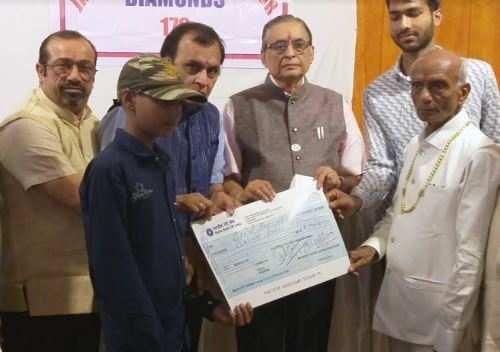 पुलवामा हमले में शहीद राजस्थान के 5 शहीद परिवारों को 7-7 लाख का आर्थिक सम्बल