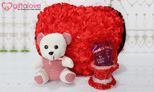 Add a Personal Touch to this Valentine with 5 Personalized Romantic Gifts