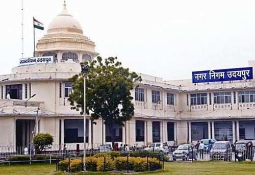महापौर ने किया घर-घर कचरा संग्रहण ऑटो संचालन केन्द्र का औचक निरीक्षण, सामने आई लापरवाहियां