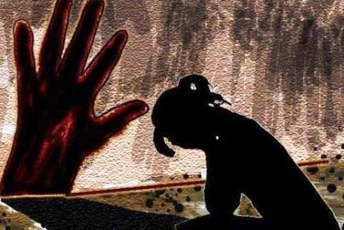 गोगुन्दा हुआ शर्मसार पांच वर्षीया मासूम को दादा ने ही बनाया हवस का शिकार