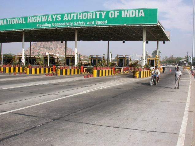 Toll staff misbehaves with tourists