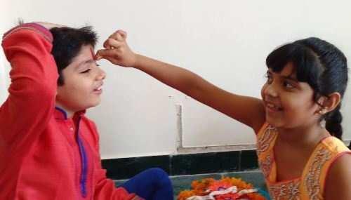No Bhadra Kaal this Raksha Bandhan | 4.5 hr auspicious time for tying Rakhi