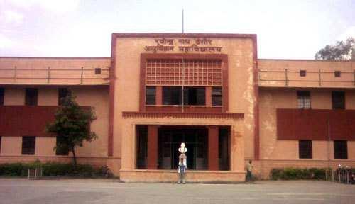RNT hostel residents complain against filth