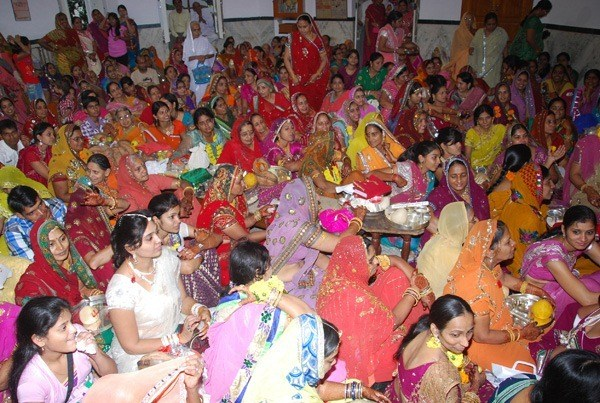 150 Devotees break Fast, mass procession conducted by Jain Community