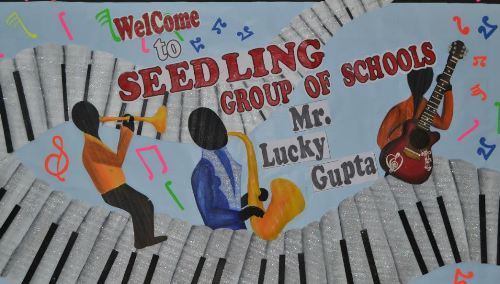 Lucky Gupta performs at Seedling Udaipur