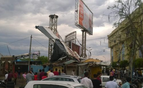 [Pictures] Scenes of destruction in Udaipur from today's thunderstorm