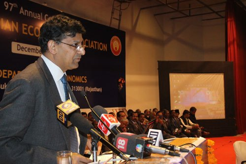 We are travelling too much in dark, says RBI chief Raghuram Rajan
