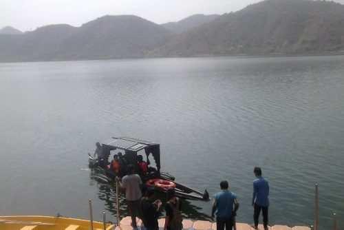 Boat Taxi to start between Swaroop Sagar and Pichola