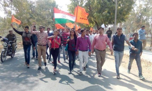Students allegedly attacked for supporting JNU student leader