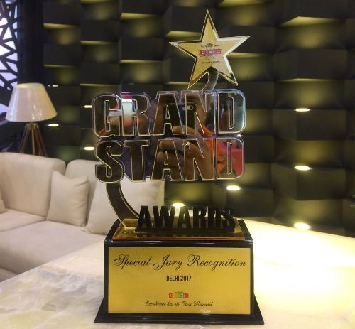 R K Marble sings the winning saga – gets GRAND STAND award at ET event