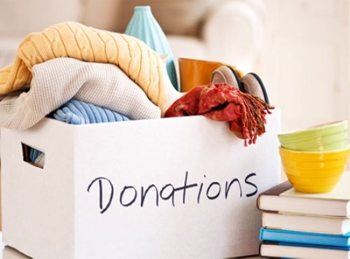 Donation stalls in malls-Do something worthwhile this Diwali