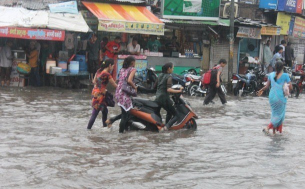 Pre-monsoon unveils the real face of smart city