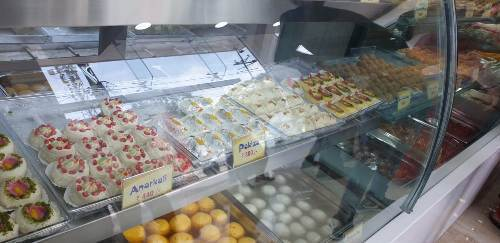 Turkish Baklava, Pakiza, Anarkali under one roof | Udaipur gets its biggest Sweet and Bakery outlet