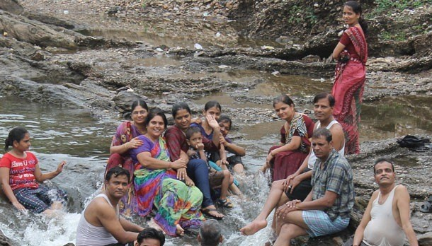 [Photos] Rainy Picnic at Nandeshwar