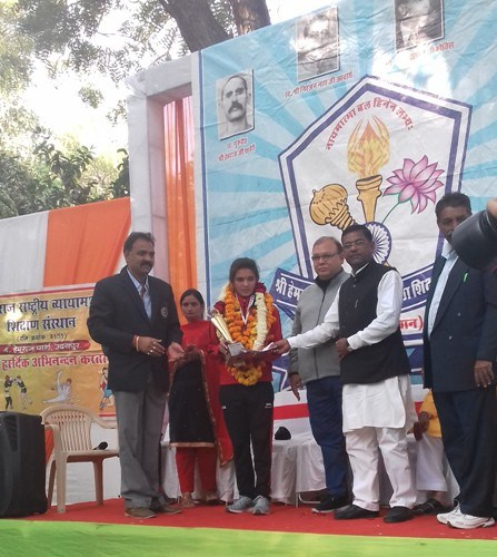 Udaipur girl Jhalak bags silver in boxing championship