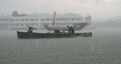 Rains continue in Udaipur-Sisarma flows at 4 feet