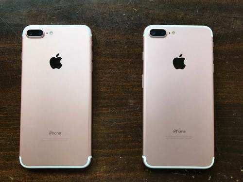 Duplicate Apple phones being sold in Karol Baag, Delhi
