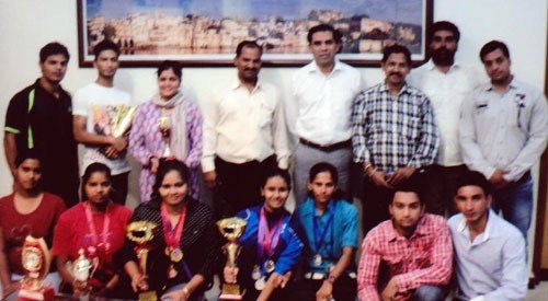District Collector congratulates Udaipur's Powerlifting Team