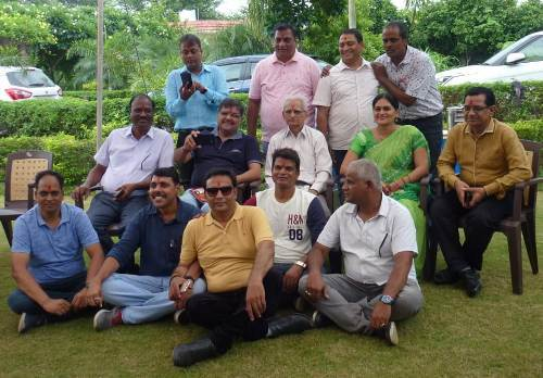14 Again | Reunion on Friendship Day – Alok School Udaipur 1984 Class 8th Batch comes together after 35 years