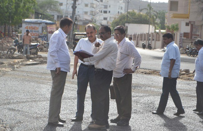 ACB Inspects Road Construction, Doubts usage of Sub standard Material