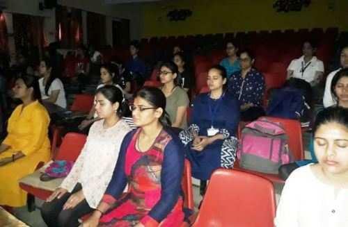 ध्यान से मिलता है आध्यात्मिक के साथ स्वास्थ्य लाभ भी – डॉ गुप्ता