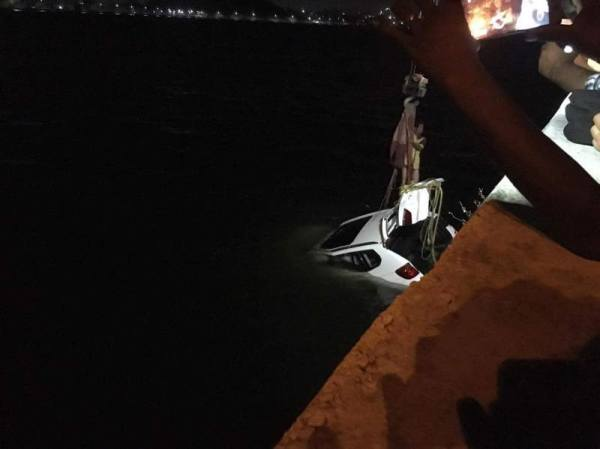 Car crashes into Fatehsagar – Kills local businessman
