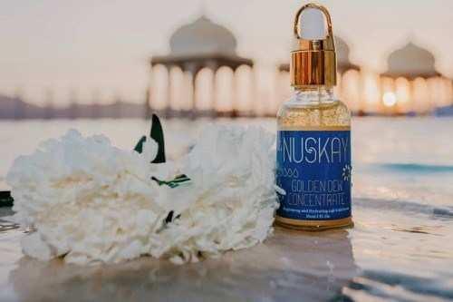 Kareena Kapoor presents Quality Award to Udaipur Beauty StartUp Nuskay
