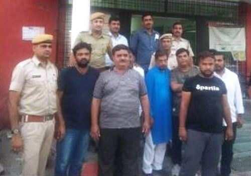 आईपीएल पर सट्टा लगाते 9 गिरफ्तार