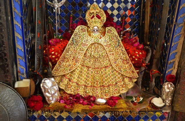Goddess bejeweled with Dress worth Rs.5.25 Lac