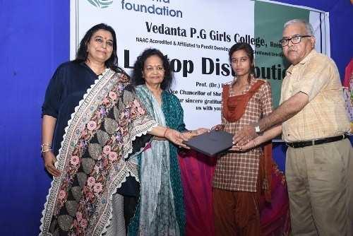 Riding the digitisation wave, Vedanta provides Laptops to 3000 girls