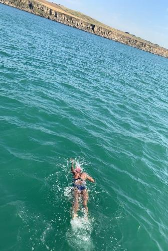 1km Swim at Udaipur led her to the Open Seas | Udaipur's Mermaid Gaurvi Singhvi becomes youngest Indian to conquer English Channel!