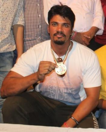 Senior Strong man of Udaipur – Anil Saini brings Gold in State level Powerlifting