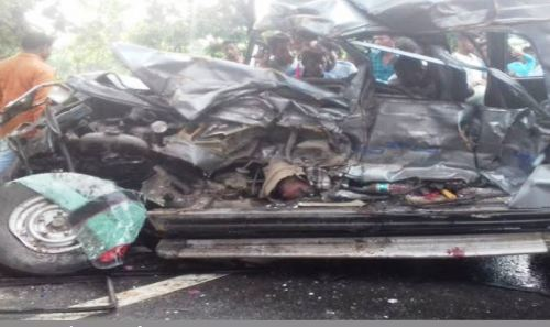 5 killed in Cruiser Dumper Accident on Udaipur Salumber road