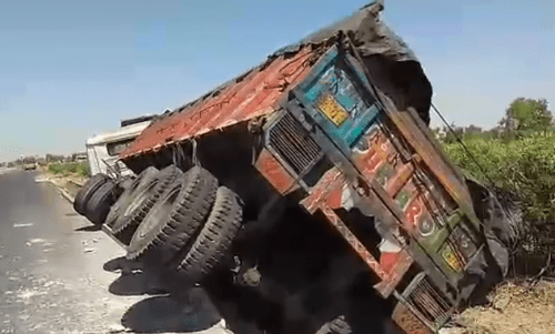 Police gets Lucky: 14 kg Opium recovered as truck carrying cement overturns